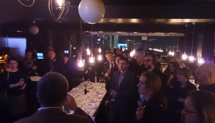 networking_dinner.jpg.699x400_q85_crop
